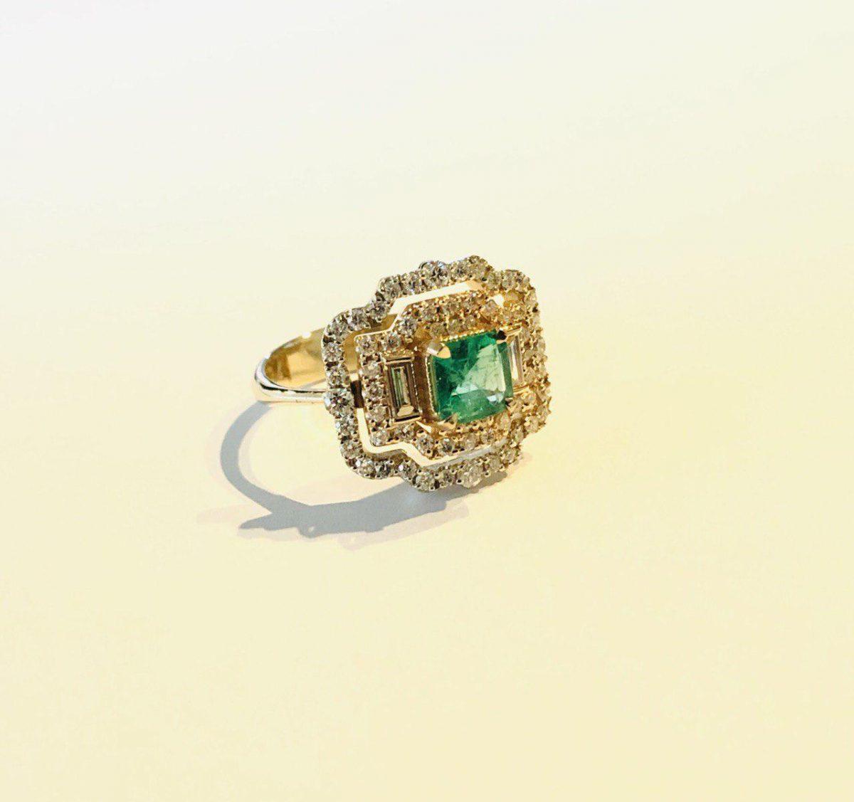 انگشتر جواهر و زمرد